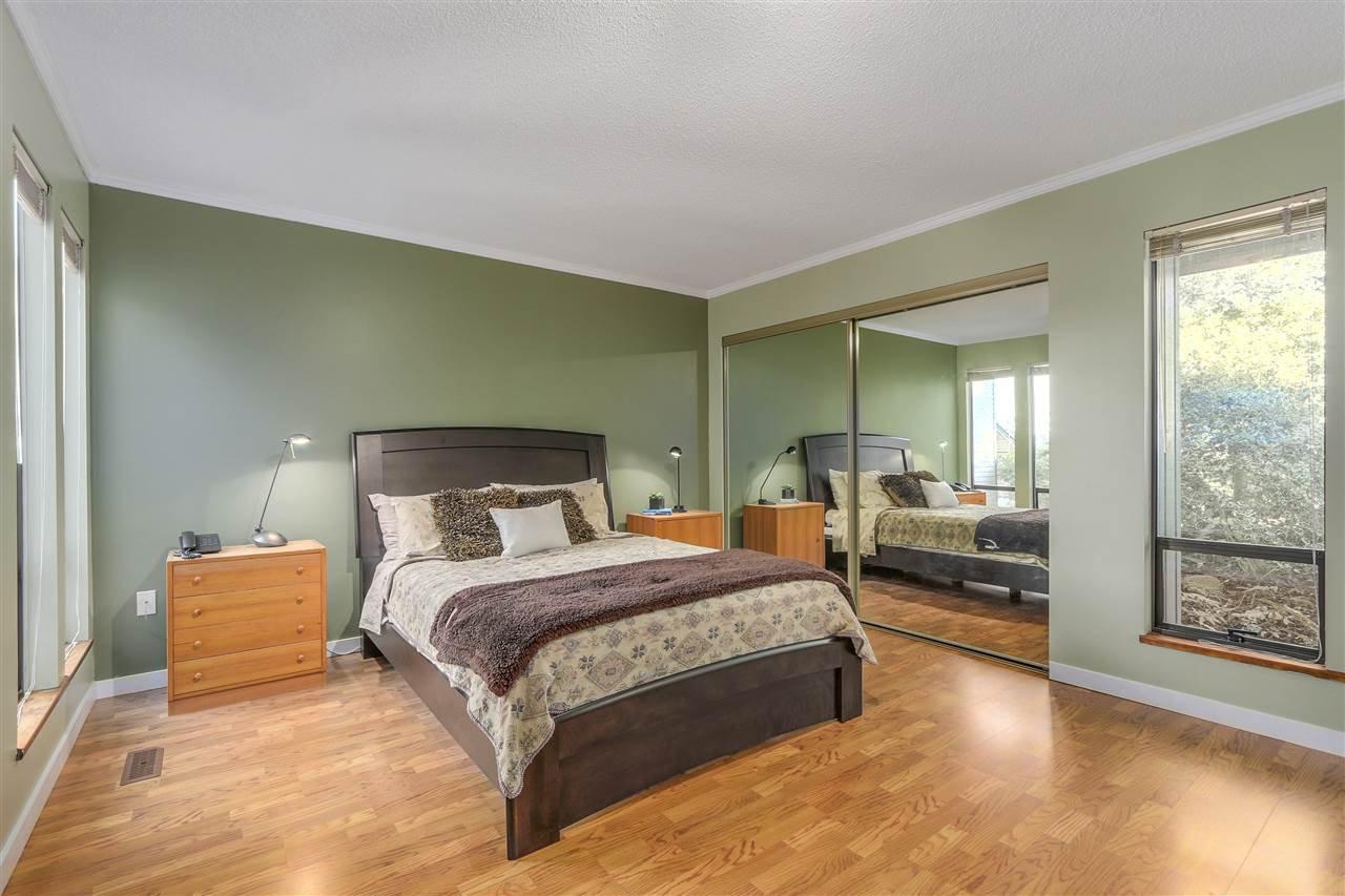 "Photo 7: Photos: 2633 TURRET Crescent in Coquitlam: Upper Eagle Ridge House for sale in ""UPPER EAGLERIDGE"" : MLS®# R2110589"