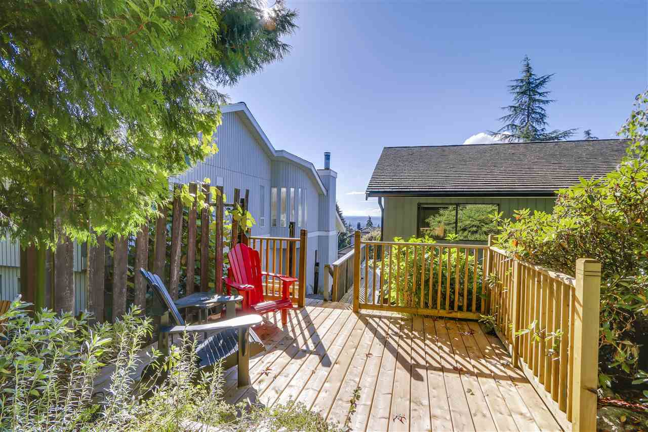 "Photo 17: Photos: 2633 TURRET Crescent in Coquitlam: Upper Eagle Ridge House for sale in ""UPPER EAGLERIDGE"" : MLS®# R2110589"