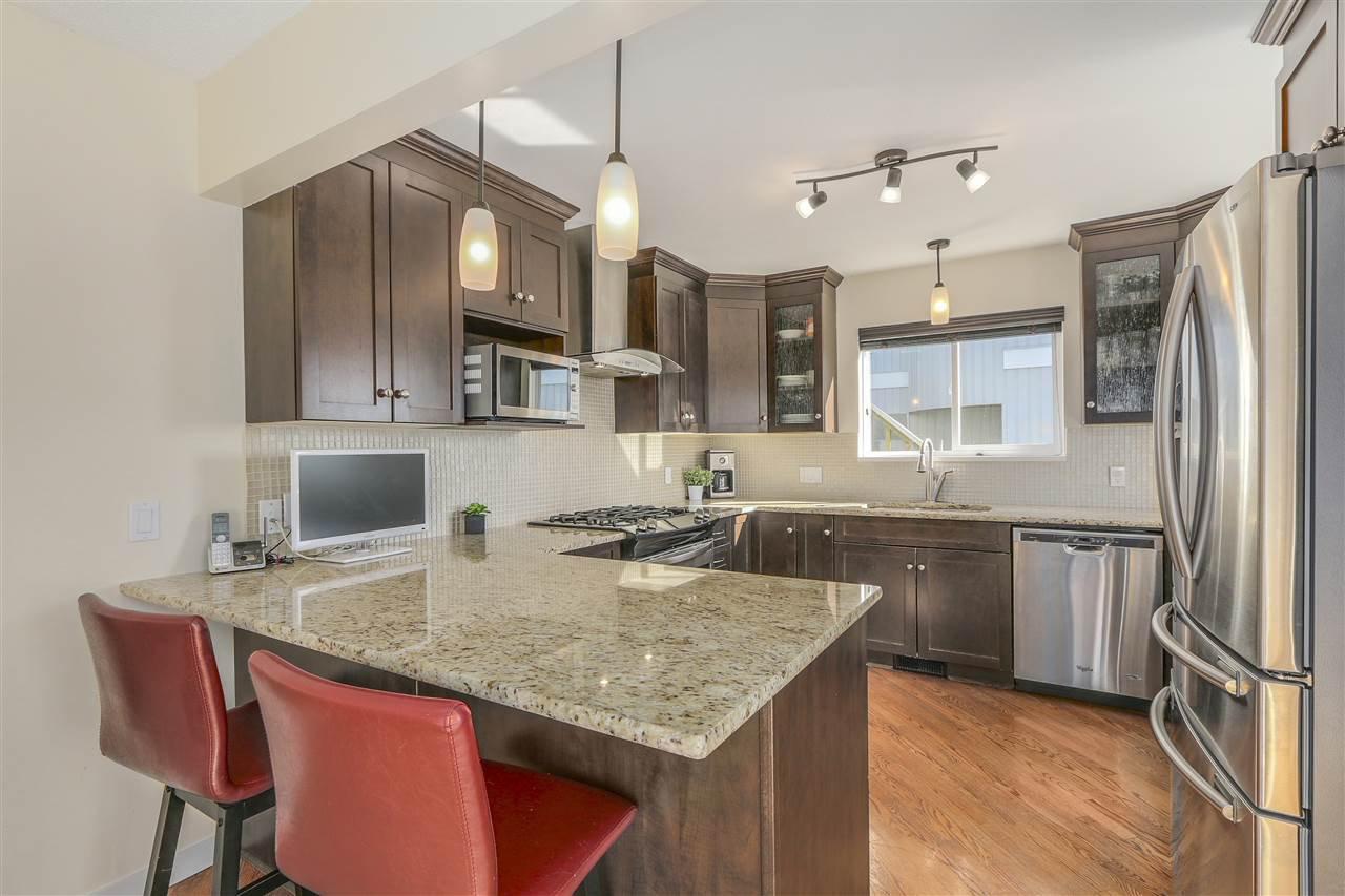 "Photo 6: Photos: 2633 TURRET Crescent in Coquitlam: Upper Eagle Ridge House for sale in ""UPPER EAGLERIDGE"" : MLS®# R2110589"