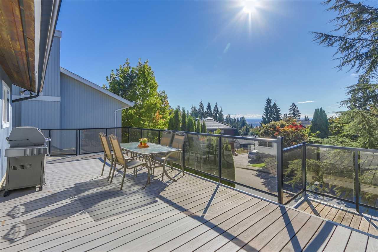 "Photo 2: Photos: 2633 TURRET Crescent in Coquitlam: Upper Eagle Ridge House for sale in ""UPPER EAGLERIDGE"" : MLS®# R2110589"