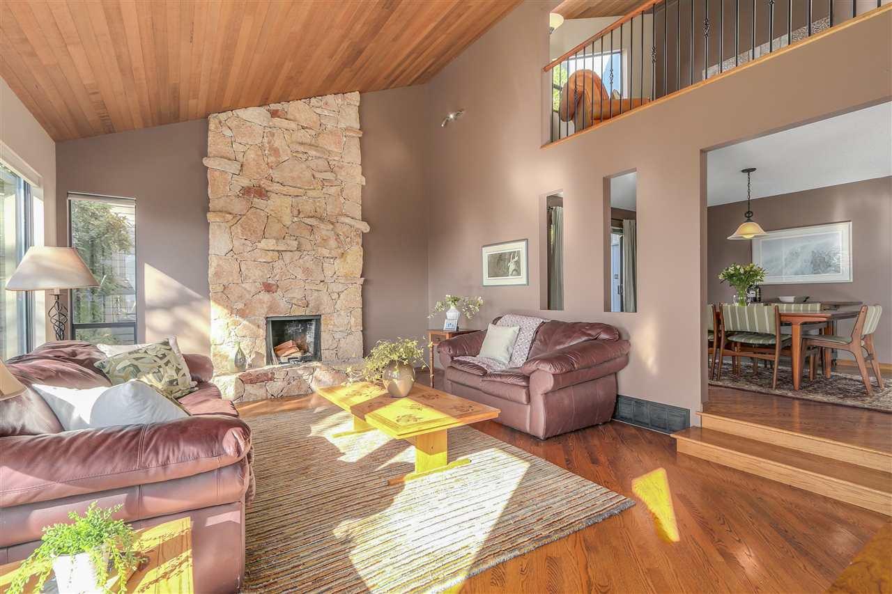 "Photo 16: Photos: 2633 TURRET Crescent in Coquitlam: Upper Eagle Ridge House for sale in ""UPPER EAGLERIDGE"" : MLS®# R2110589"