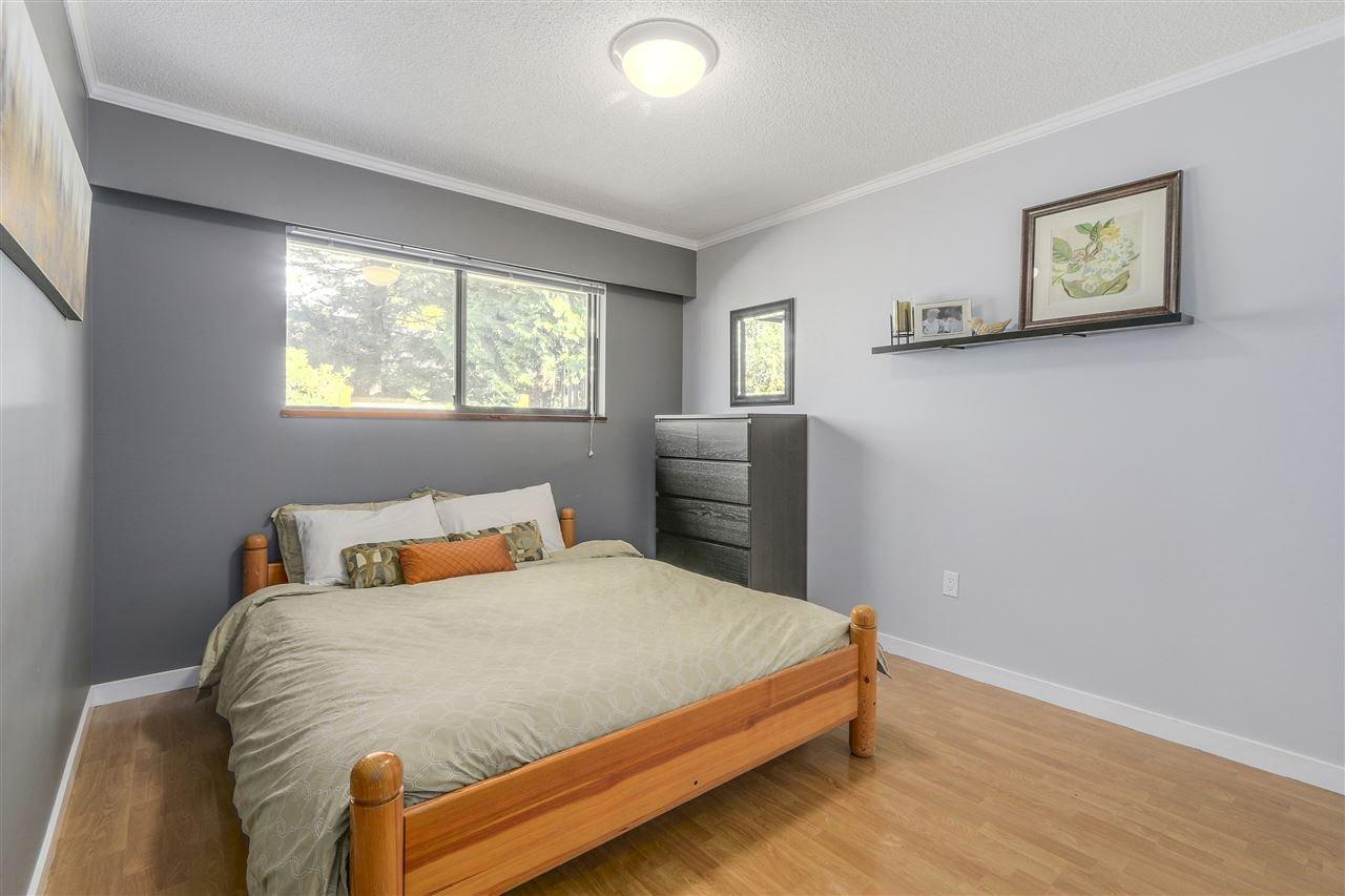 "Photo 9: Photos: 2633 TURRET Crescent in Coquitlam: Upper Eagle Ridge House for sale in ""UPPER EAGLERIDGE"" : MLS®# R2110589"
