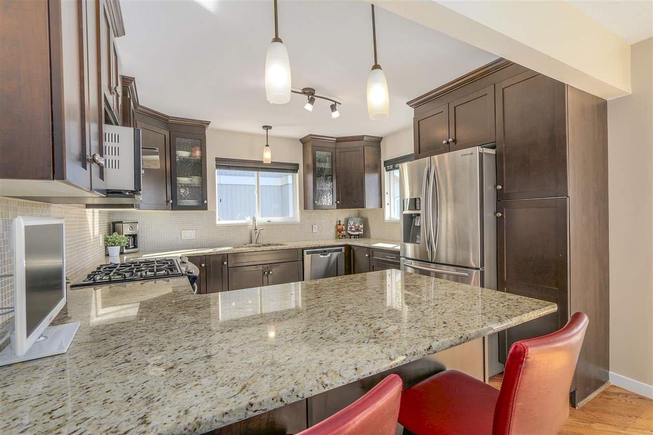 "Photo 5: Photos: 2633 TURRET Crescent in Coquitlam: Upper Eagle Ridge House for sale in ""UPPER EAGLERIDGE"" : MLS®# R2110589"