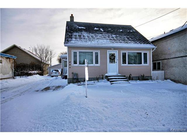 Main Photo: 486 Jolys Avenue West in St Pierre-Jolys: R17 Residential for sale : MLS®# 1626233