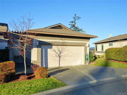 Main Photo: 11 4300 Stoneywood Lane in VICTORIA: SE Broadmead Row/Townhouse for sale (Saanich East)  : MLS®# 748264