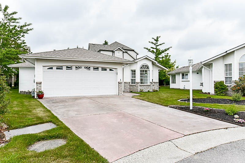 """Photo 2: Photos: 3 9102 HAZEL Street in Chilliwack: Chilliwack E Young-Yale House for sale in """"The Horizon"""" : MLS®# R2171952"""