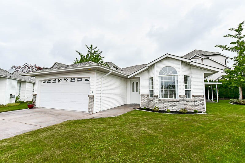 """Photo 3: Photos: 3 9102 HAZEL Street in Chilliwack: Chilliwack E Young-Yale House for sale in """"The Horizon"""" : MLS®# R2171952"""