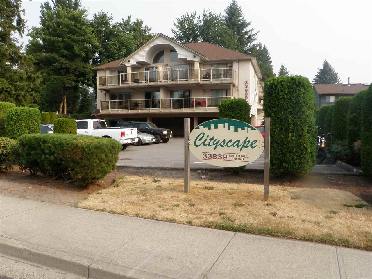 """Main Photo: 301 33839 MARSHALL Road in Abbotsford: Central Abbotsford Condo for sale in """"City Scape"""" : MLS®# R2193790"""