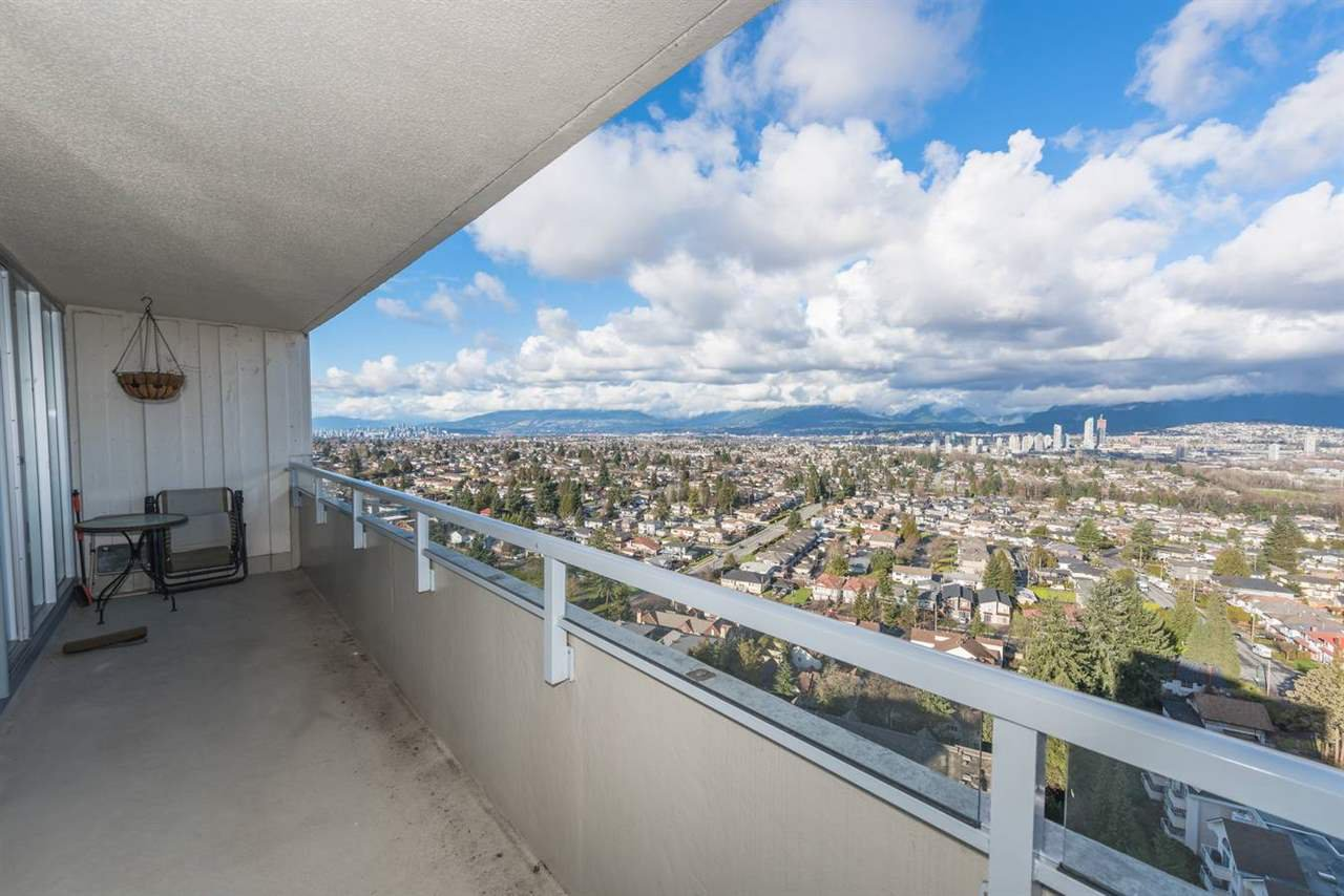 Main Photo: 2205 4160 Sardis Street in Burnaby: Central Park BS Condo for sale (Burnaby South)  : MLS®# R2233323