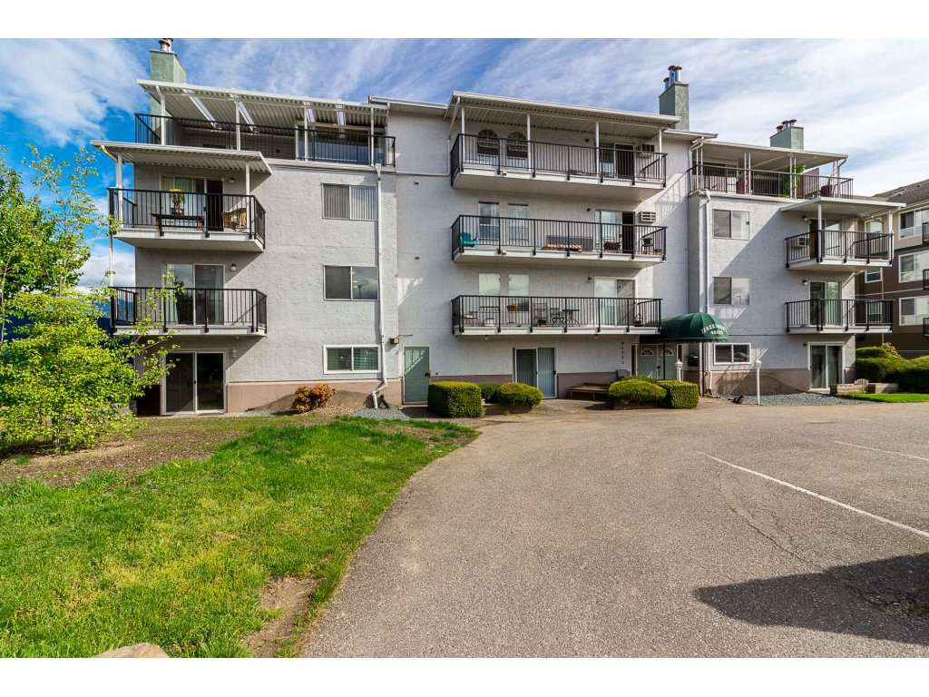 "Main Photo: 205 46033 CHILLIWACK CENTRAL Road in Chilliwack: Chilliwack E Young-Yale Condo for sale in ""Hazeldene"" : MLS®# R2264613"