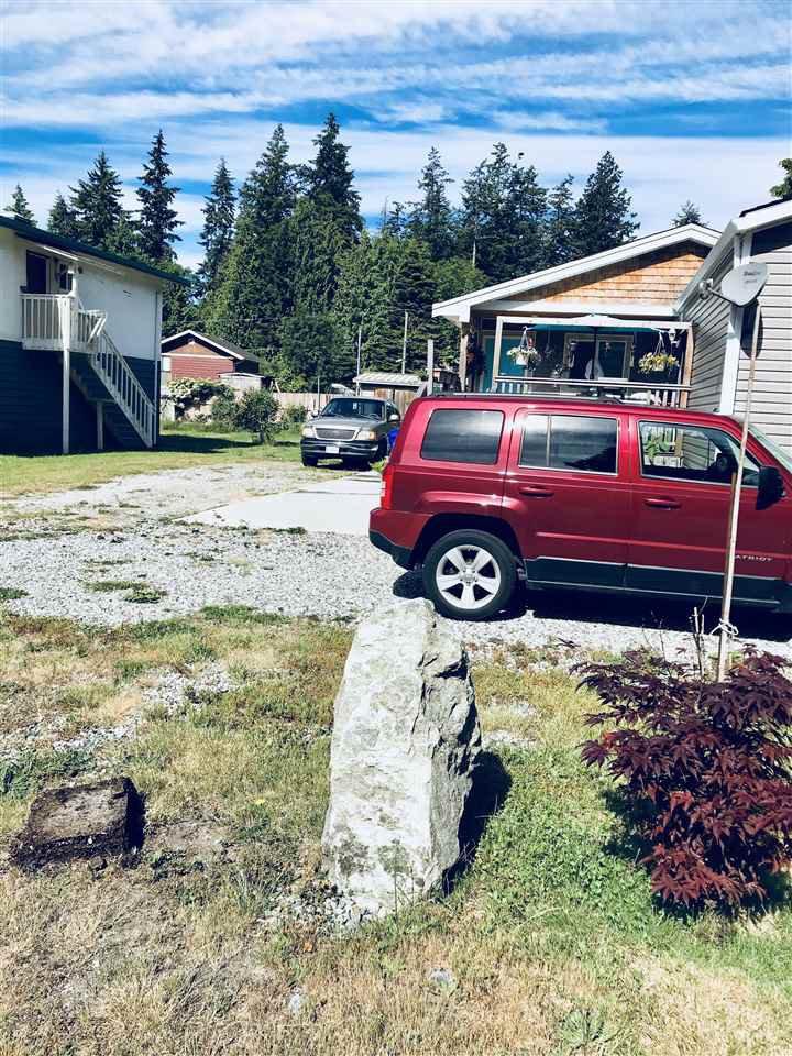 "Photo 19: Photos: 5611 WAKEFIELD Road in Sechelt: Sechelt District House for sale in ""WEST SECHELT"" (Sunshine Coast)  : MLS®# R2271228"