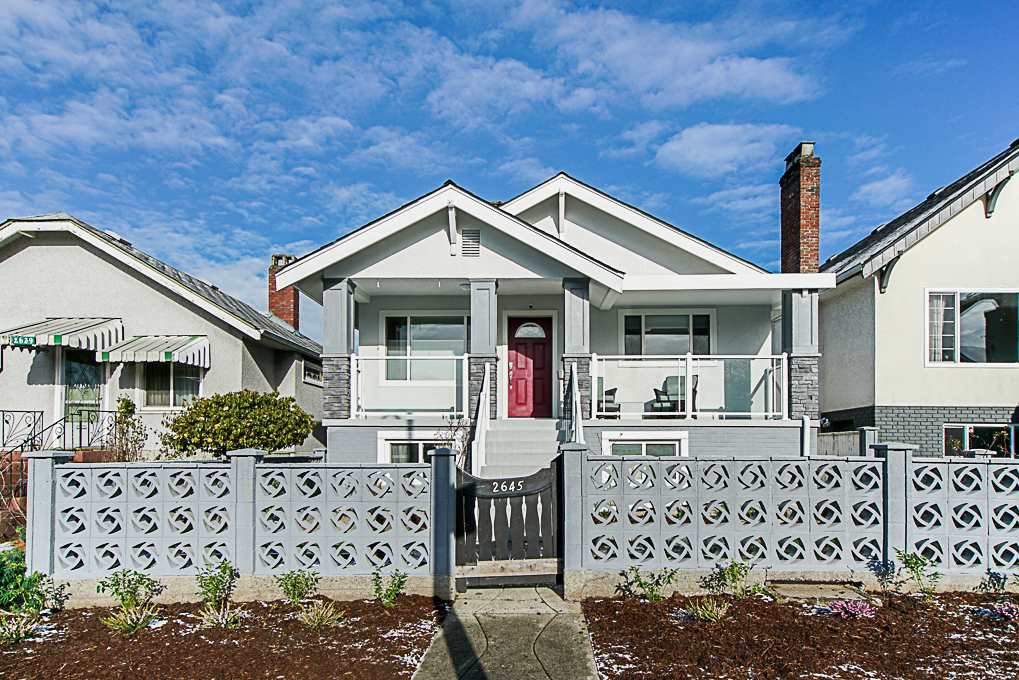 Main Photo: 2645 TRIUMPH Street in Vancouver: Hastings Sunrise House for sale (Vancouver East)  : MLS®# R2381550