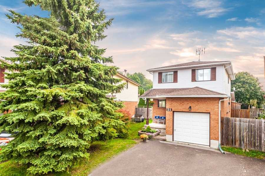 Main Photo: 31 Beechnut Crescent in Clarington: Courtice House (2-Storey) for sale : MLS®# E4585901