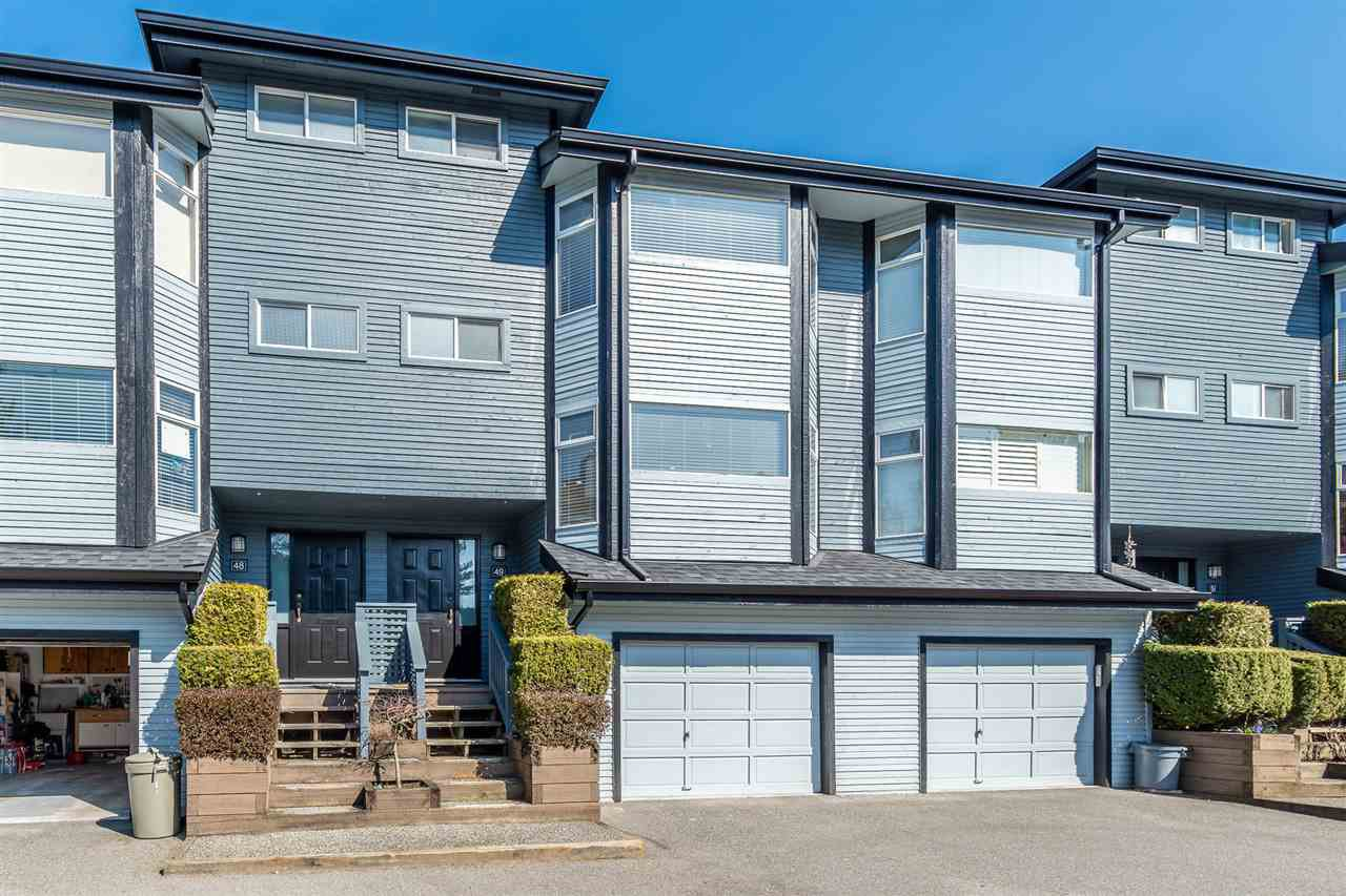 "Main Photo: 49 1195 FALCON Drive in Coquitlam: Eagle Ridge CQ Townhouse for sale in ""THE COURTYARDS"" : MLS®# R2447677"