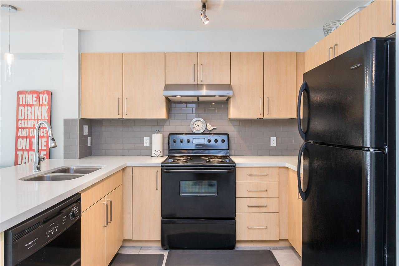 "Photo 12: Photos: 403 1576 GRANT Avenue in Port Coquitlam: Glenwood PQ Condo for sale in ""THE BROWNSTONE"" : MLS®# R2450560"