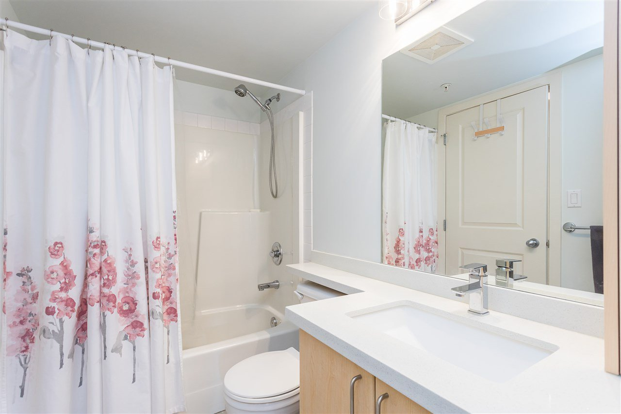 "Photo 10: Photos: 403 1576 GRANT Avenue in Port Coquitlam: Glenwood PQ Condo for sale in ""THE BROWNSTONE"" : MLS®# R2450560"
