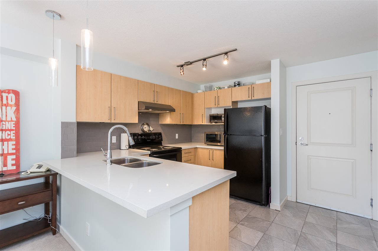 "Photo 2: Photos: 403 1576 GRANT Avenue in Port Coquitlam: Glenwood PQ Condo for sale in ""THE BROWNSTONE"" : MLS®# R2450560"