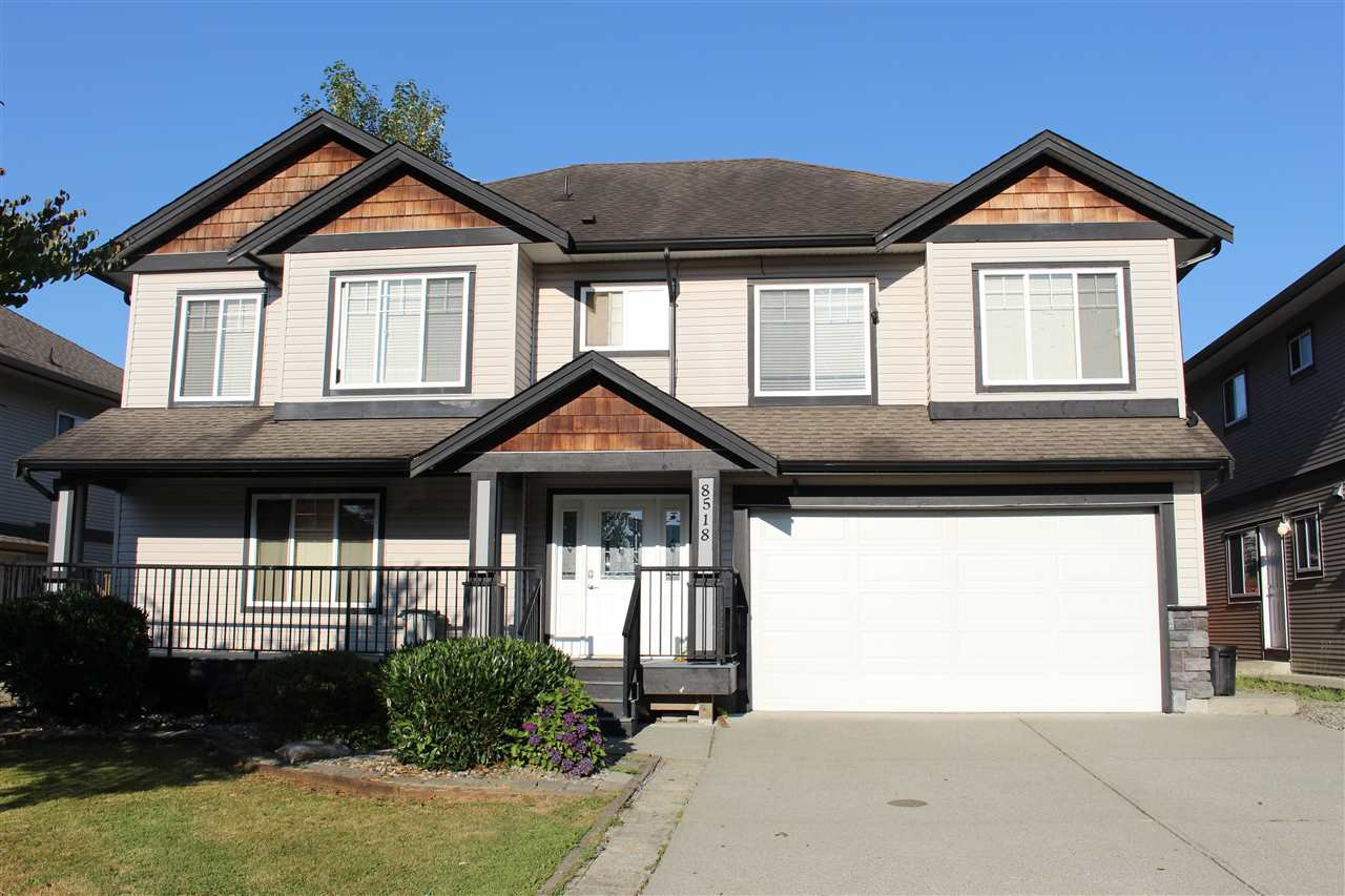 Main Photo: 8518 MCPHERSON Street in Mission: Mission BC House for sale : MLS®# R2492975