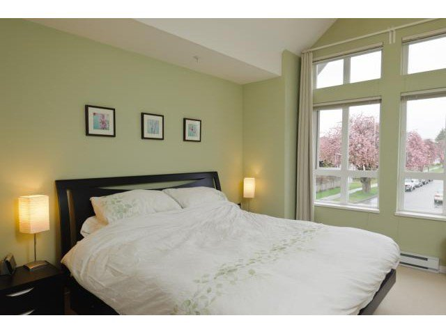 """Photo 6: Photos: 3208 E 54TH Avenue in Vancouver: Champlain Heights Townhouse for sale in """"CHAMPLAIN VILLAGE"""" (Vancouver East)  : MLS®# V893730"""