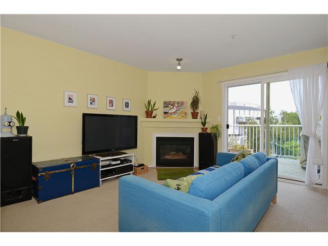 Photo 2: Photos: # 302 21 N RENFREW ST in Vancouver: Hastings East Condo for sale (Vancouver East)  : MLS®# V1020154