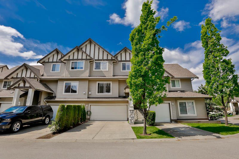 "Main Photo: 26 18181 68 Avenue in Surrey: Cloverdale BC Townhouse for sale in ""Magnolia"" (Cloverdale)  : MLS®# R2061851"