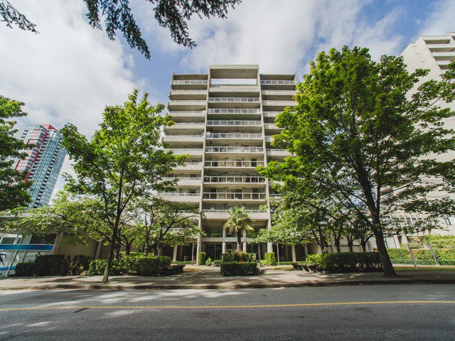 """Main Photo: 1402 6595 BONSOR Avenue in Burnaby: Metrotown Condo for sale in """"Bonsor Ave. Place"""" (Burnaby South)  : MLS®# R2105863"""