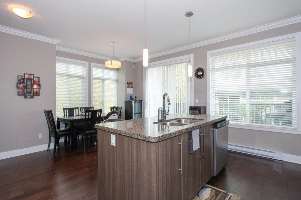 """Photo 10: Photos: 56 8250 209B Street in Langley: Willoughby Heights Townhouse for sale in """"OUTLOOK"""" : MLS®# R2118711"""