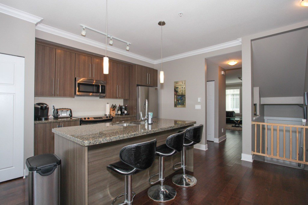 """Photo 12: Photos: 56 8250 209B Street in Langley: Willoughby Heights Townhouse for sale in """"OUTLOOK"""" : MLS®# R2118711"""