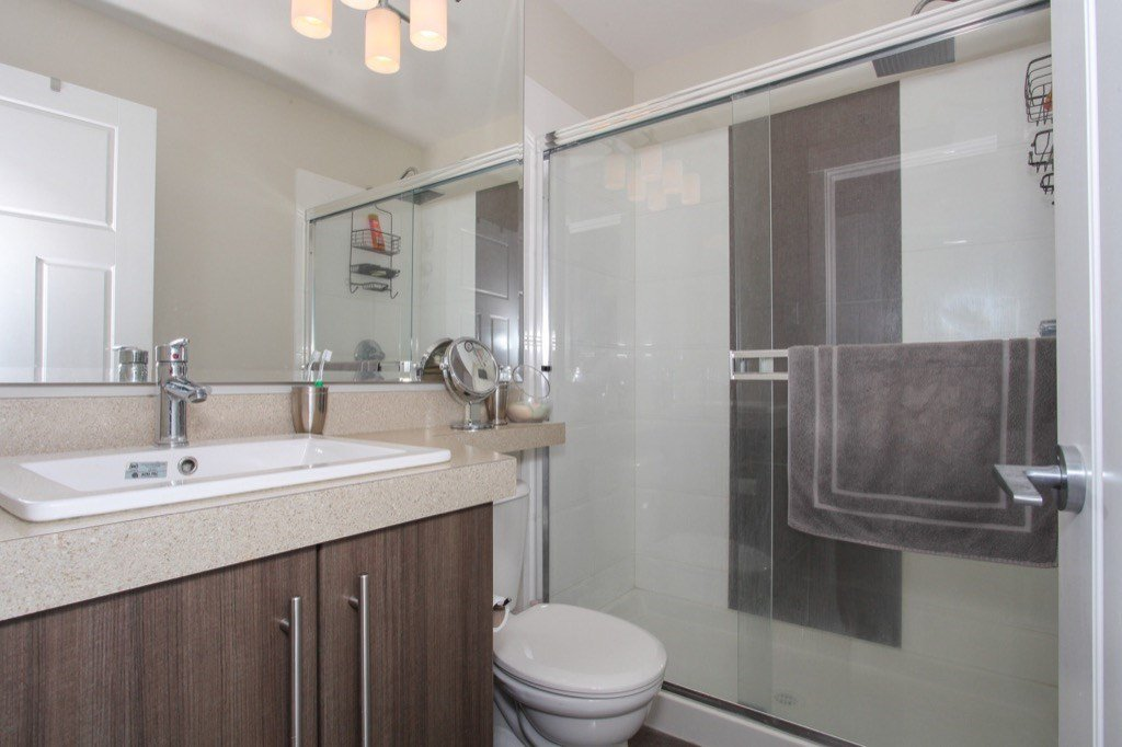 """Photo 15: Photos: 56 8250 209B Street in Langley: Willoughby Heights Townhouse for sale in """"OUTLOOK"""" : MLS®# R2118711"""
