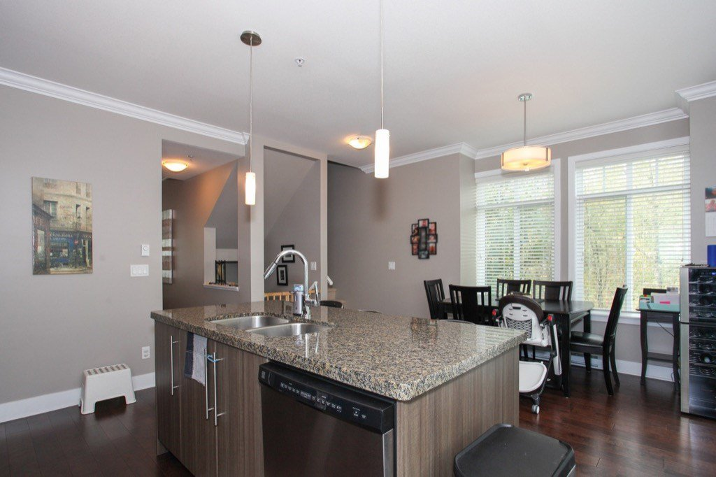 """Photo 11: Photos: 56 8250 209B Street in Langley: Willoughby Heights Townhouse for sale in """"OUTLOOK"""" : MLS®# R2118711"""