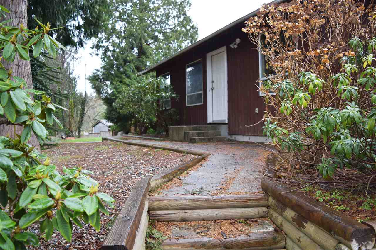 Main Photo: 6426 NORWEST BAY Road in Sechelt: Sechelt District House for sale (Sunshine Coast)  : MLS®# R2119344