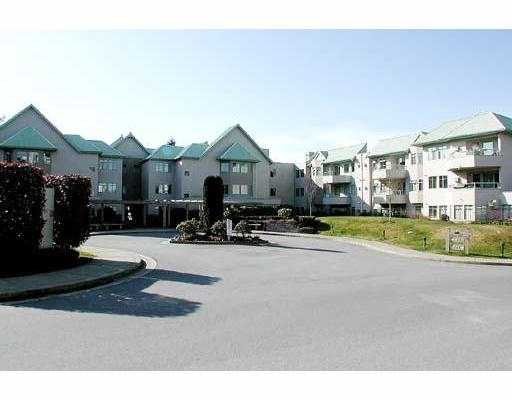 """Main Photo: 402 6735 STATION HILL CT in Burnaby: South Slope Condo for sale in """"courtyards"""" (Burnaby South)  : MLS®# V552618"""