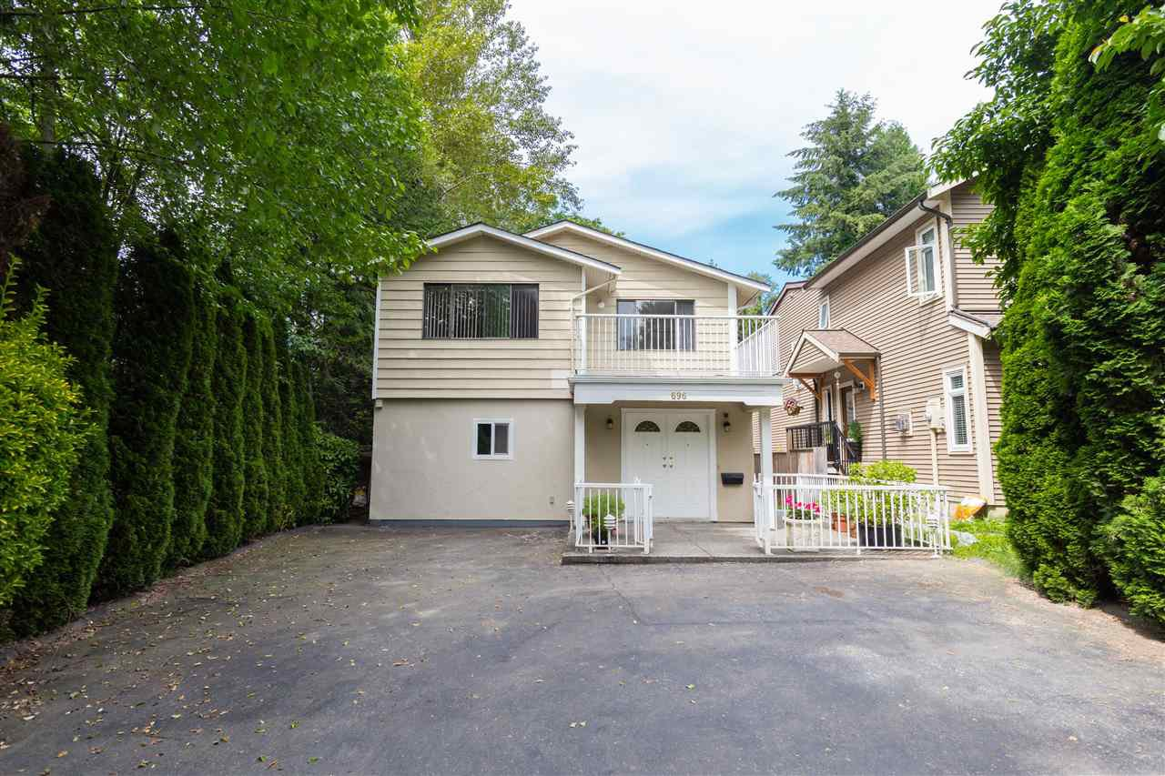 "Main Photo: 696 W 29TH Street in North Vancouver: Upper Lonsdale House for sale in ""Upper Lonsdale"" : MLS®# R2241193"