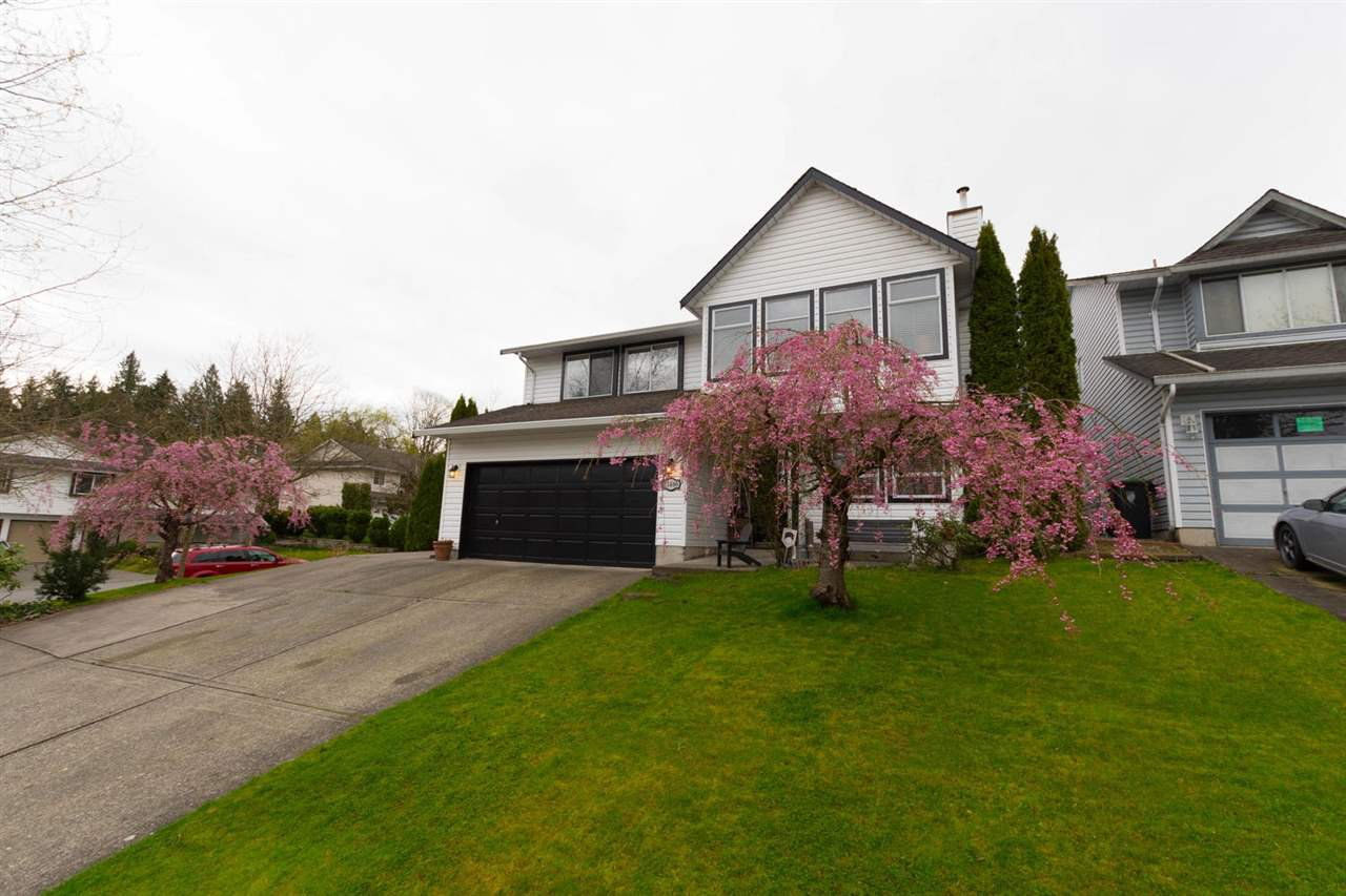 "Main Photo: 21466 90 Avenue in Langley: Walnut Grove House for sale in ""Walnut Grove"" : MLS®# R2256477"