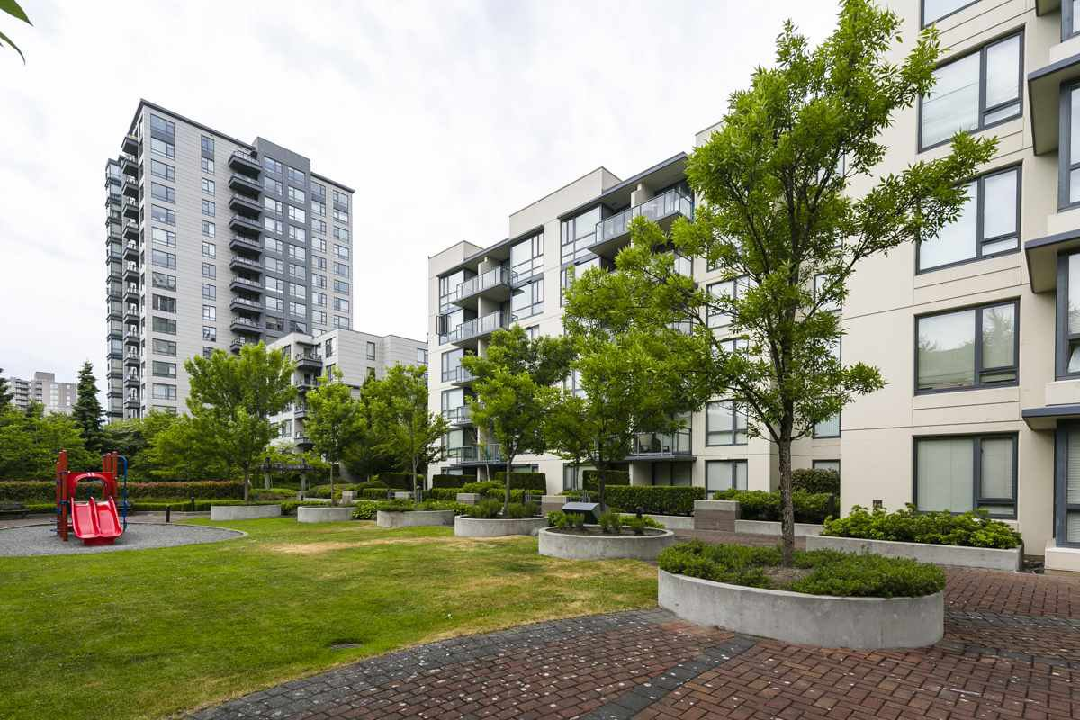 "Main Photo: 315 3588 CROWLEY Drive in Vancouver: Collingwood VE Condo for sale in ""NEXUS"" (Vancouver East)  : MLS®# R2277931"