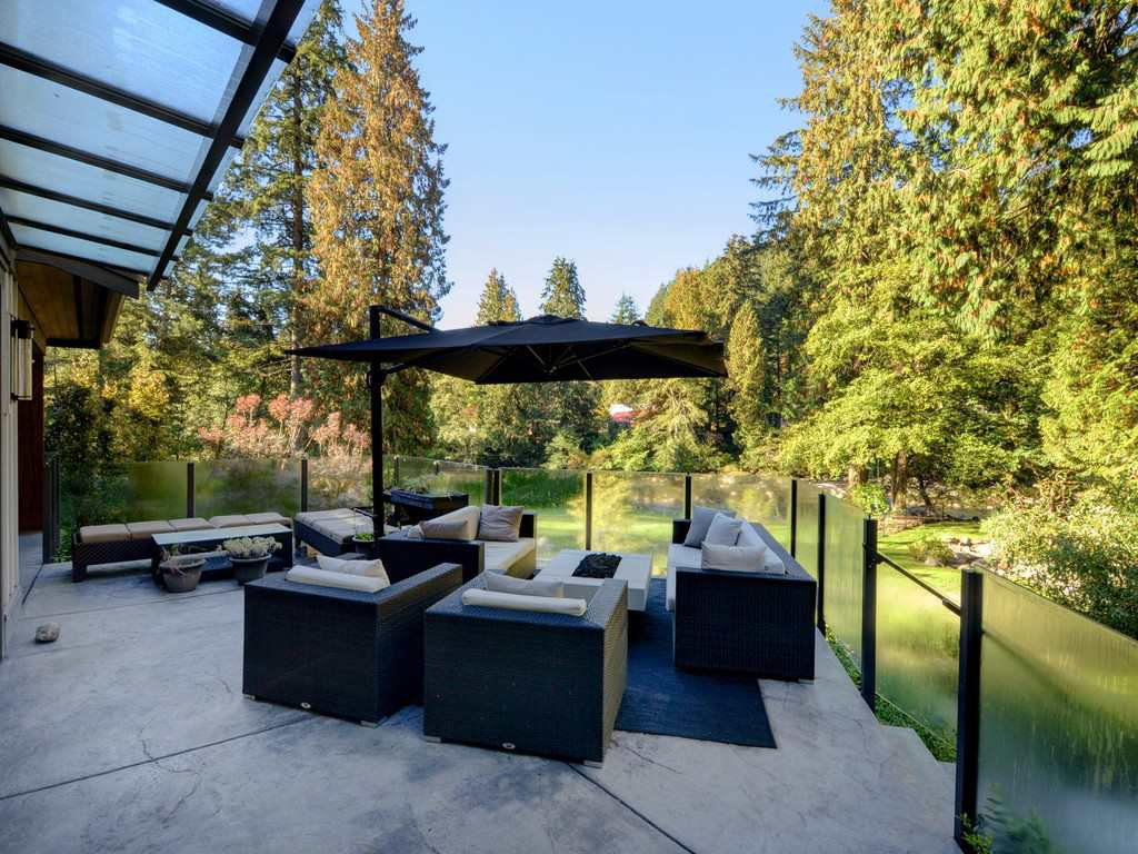 Photo 13: Photos: 1333 RIVERSIDE Drive in North Vancouver: Seymour NV House for sale : MLS®# R2312299