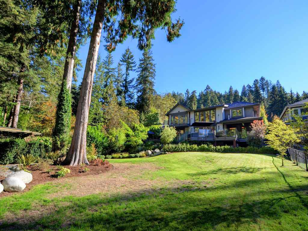 Photo 19: Photos: 1333 RIVERSIDE Drive in North Vancouver: Seymour NV House for sale : MLS®# R2312299
