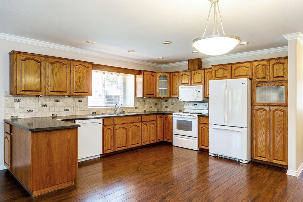 Photo 6: Photos: 11899 237 Street in Maple Ridge: Cottonwood MR House for sale : MLS®# R2377865