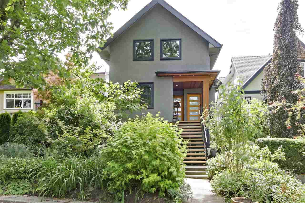 Main Photo: 2056 E 2ND Avenue in Vancouver: Grandview Woodland House for sale (Vancouver East)  : MLS®# R2380948