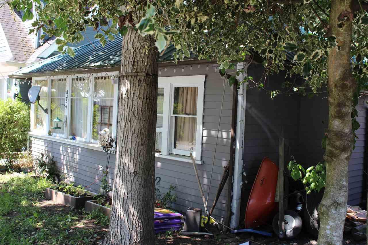 """Main Photo: 335 BALSAM Street: Cultus Lake House for sale in """"Cultus Lake"""" : MLS®# R2391505"""