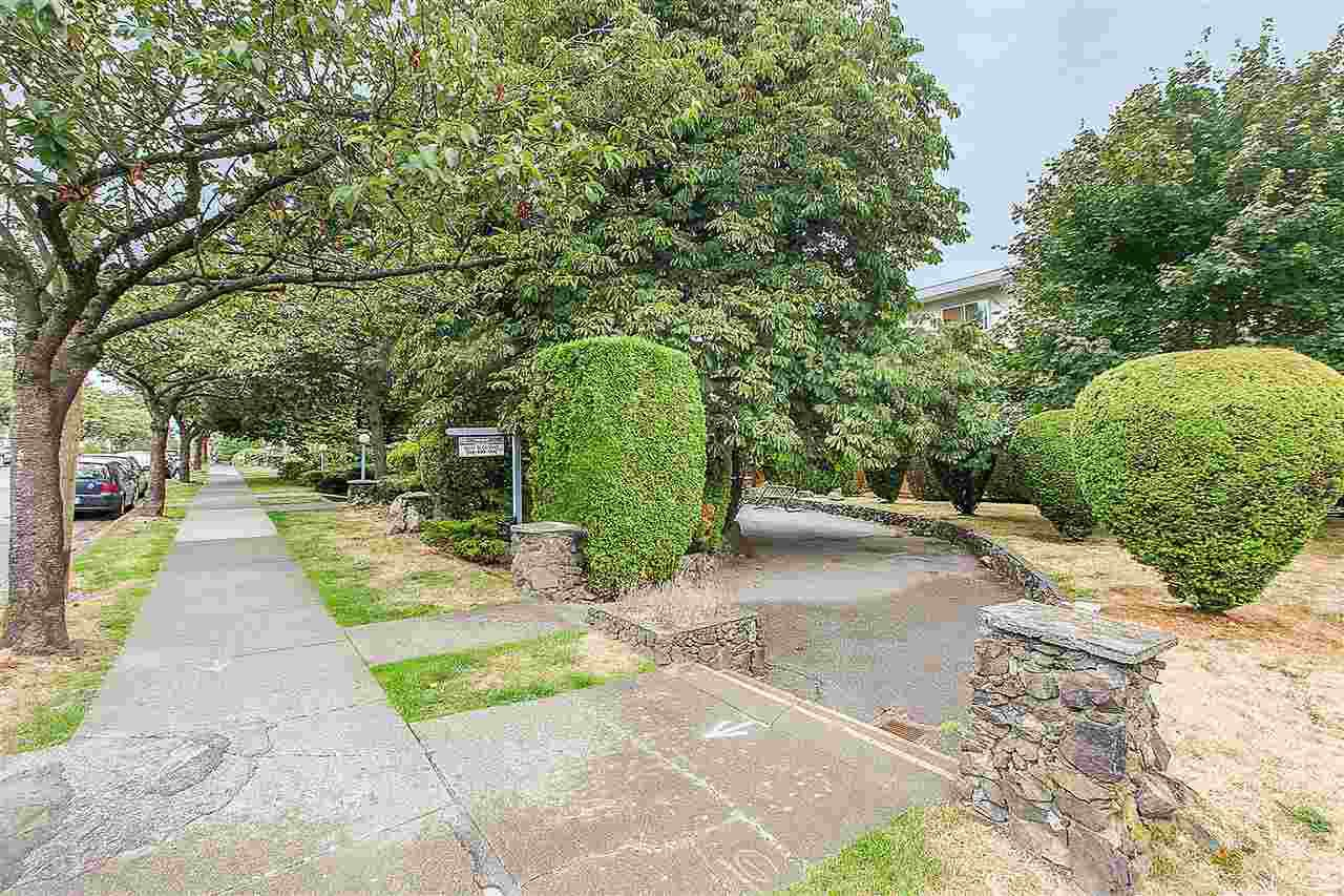 "Main Photo: 408 711 E 6TH Avenue in Vancouver: Mount Pleasant VE Condo for sale in ""PICASSO"" (Vancouver East)  : MLS®# R2392674"