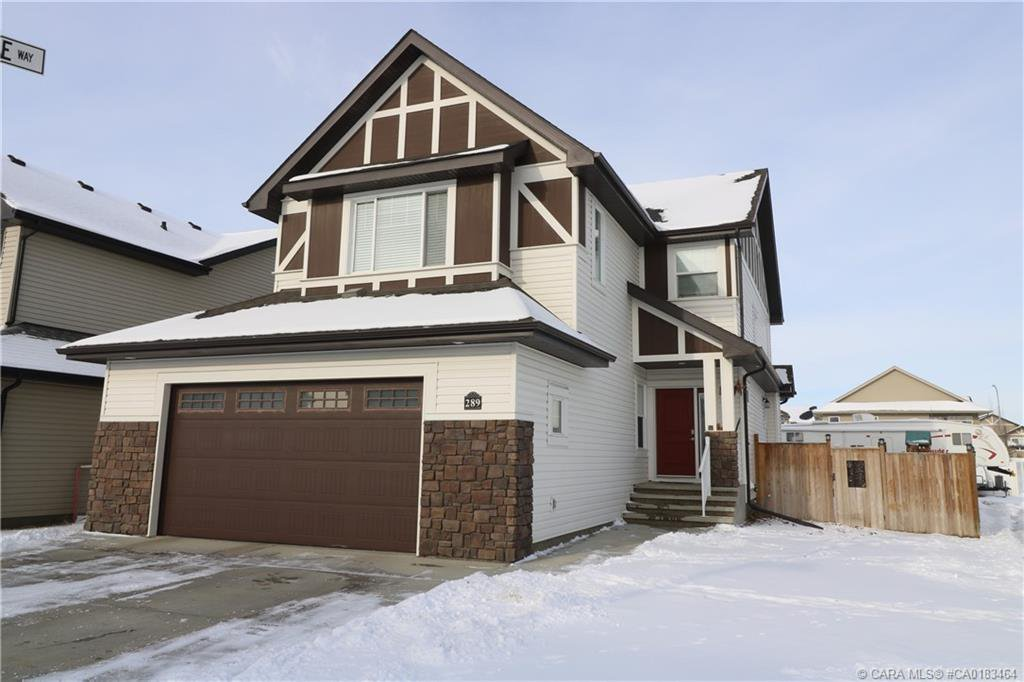 Main Photo: 289 Thompson Crescent in Red Deer: RR Timberstone Residential for sale : MLS®# CA0183464