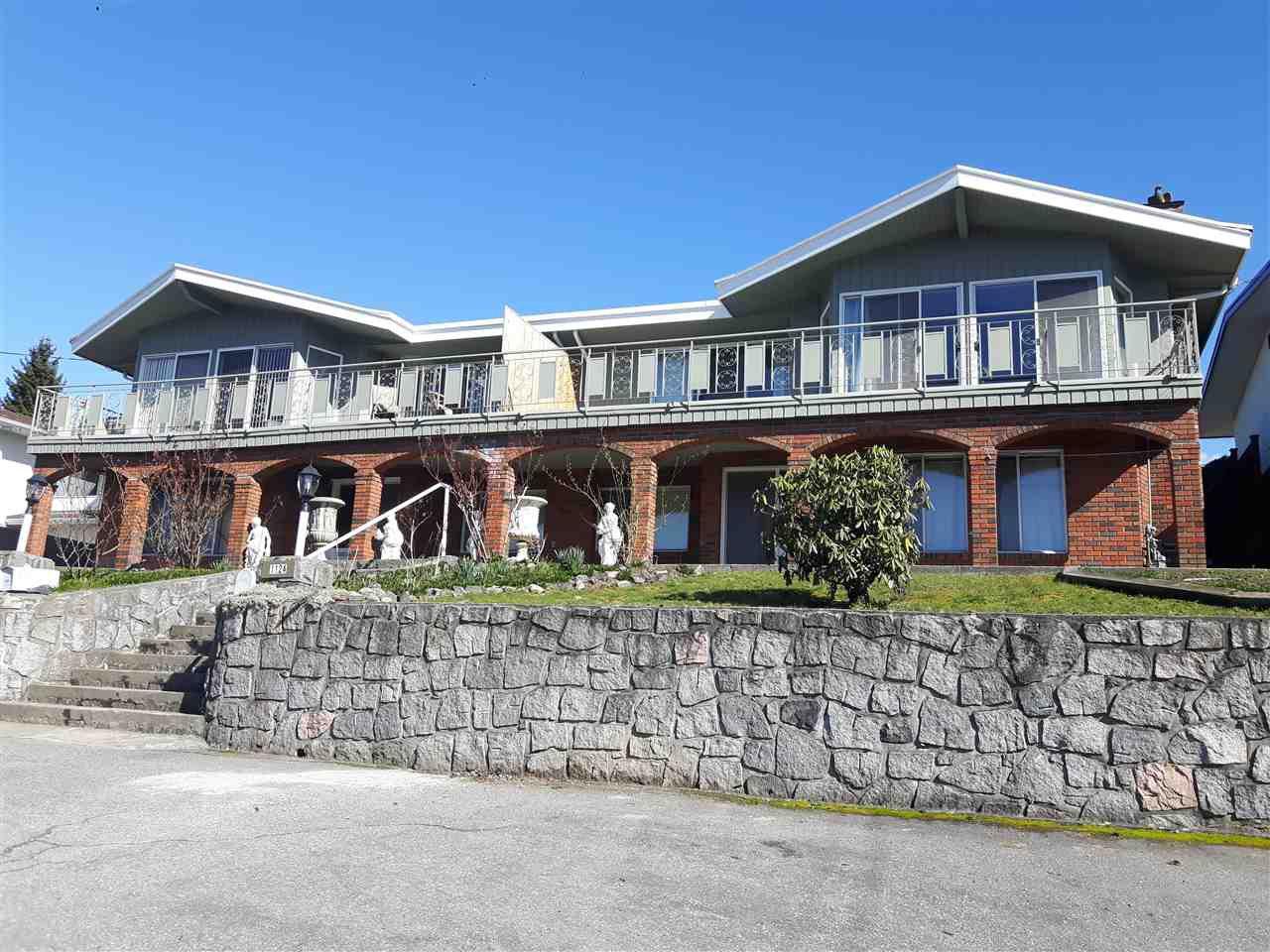 Main Photo: 1122-1124 HOLDOM AVENUE in : Parkcrest Duplex for sale : MLS®# R2247186