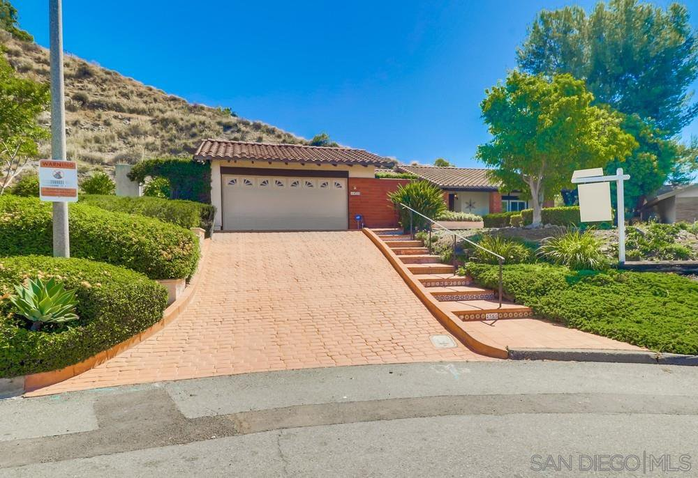 Main Photo: SPRING VALLEY House for sale : 4 bedrooms : 4355 Avenida Gregory