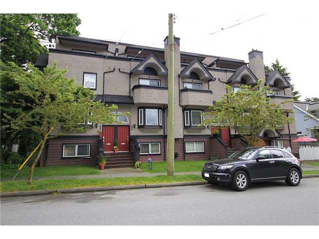 Main Photo: 2304 VINE Street in Vancouver: Kitsilano Townhouse for sale (Vancouver West)  : MLS®# V894432