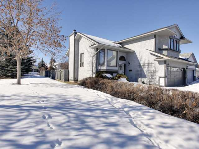 Main Photo: 57 Woodmark Crescent SW in CALGARY: Woodbine Residential Detached Single Family for sale (Calgary)  : MLS®# C3602089