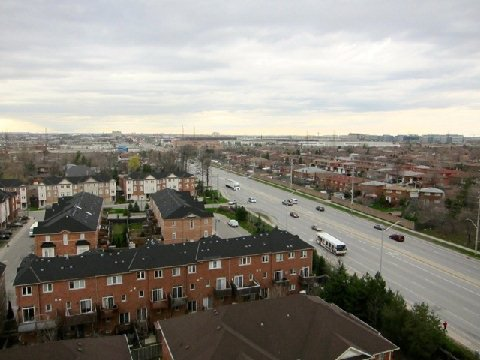 Main Photo: 13 1359 E Rathburn Road in Mississauga: Rathwood Condo for sale : MLS®# W2875628
