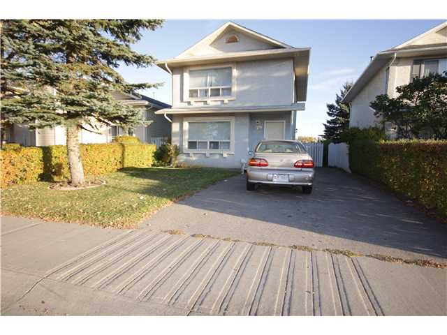 Main Photo: 279 MARTINDALE Boulevard NE in Calgary: Martindale Residential Detached Single Family for sale : MLS®# C3639230