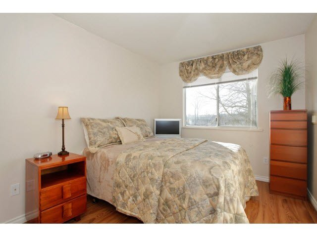 """Photo 14: Photos: 311 5955 177B Street in Surrey: Cloverdale BC Condo for sale in """"WINDSOR PLACE"""" (Cloverdale)  : MLS®# F1433073"""
