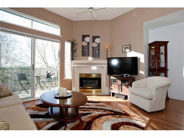 """Photo 4: Photos: 311 5955 177B Street in Surrey: Cloverdale BC Condo for sale in """"WINDSOR PLACE"""" (Cloverdale)  : MLS®# F1433073"""